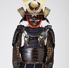 鉄黒漆塗胸取互の目桶側二枚胴具足
