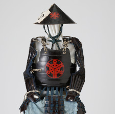 鉄黒漆塗り桶側胴と同仕立ての陣笠